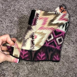 Shoes - Brand New!Tribal Pink & Tan wedges size 6.5💗